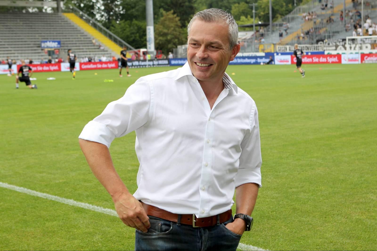 Christian Hock vor der Partie in der Ostalb Arena