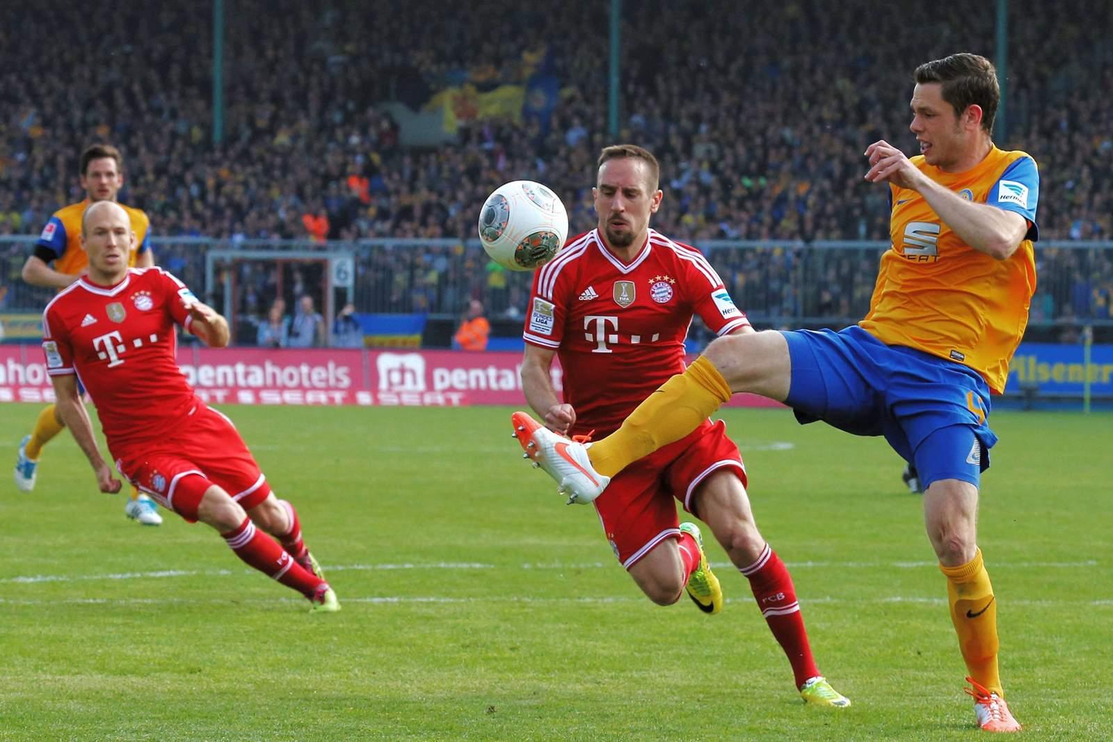 Zweikampf zwischen Matthias Henn und Franck Ribery