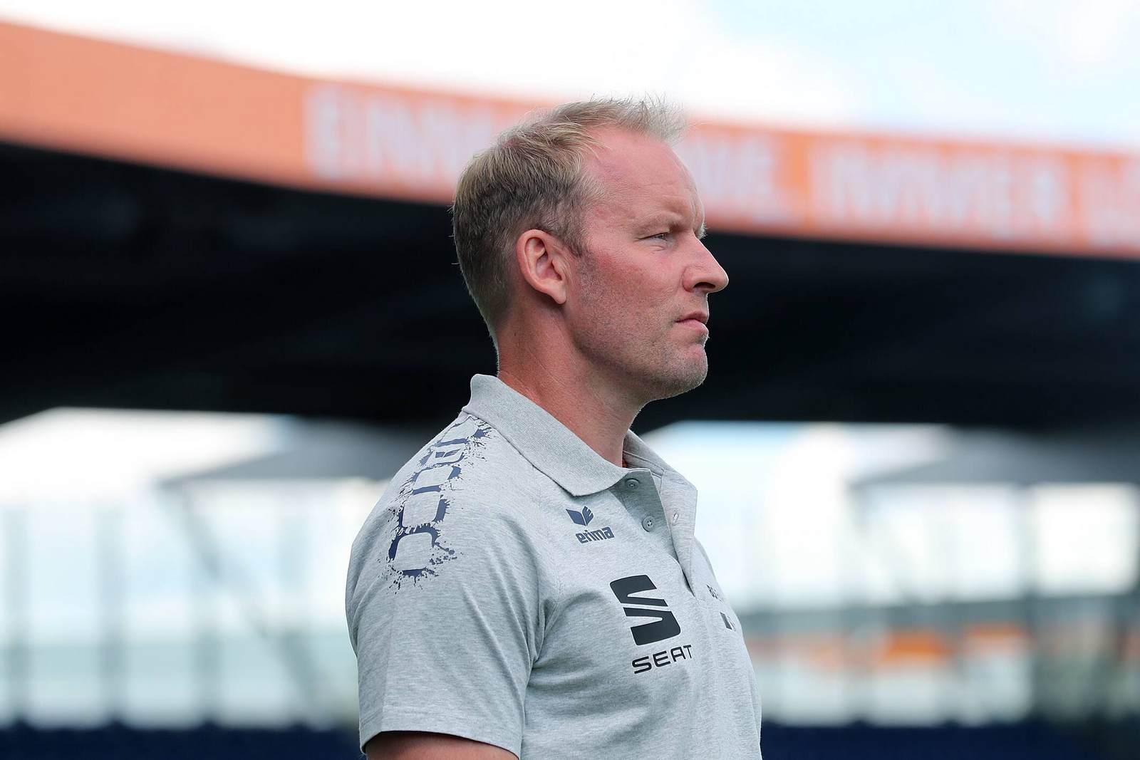 Henrik Pedersen als Trainer von Eintracht Braunschweig