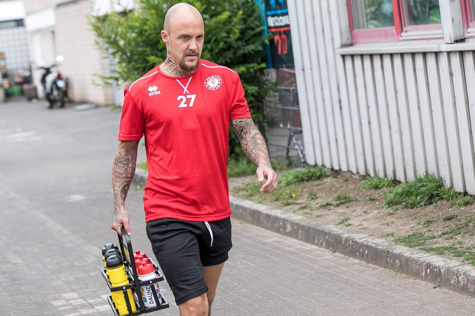 Maurice Exslager von Fortuna Köln geht zum Training