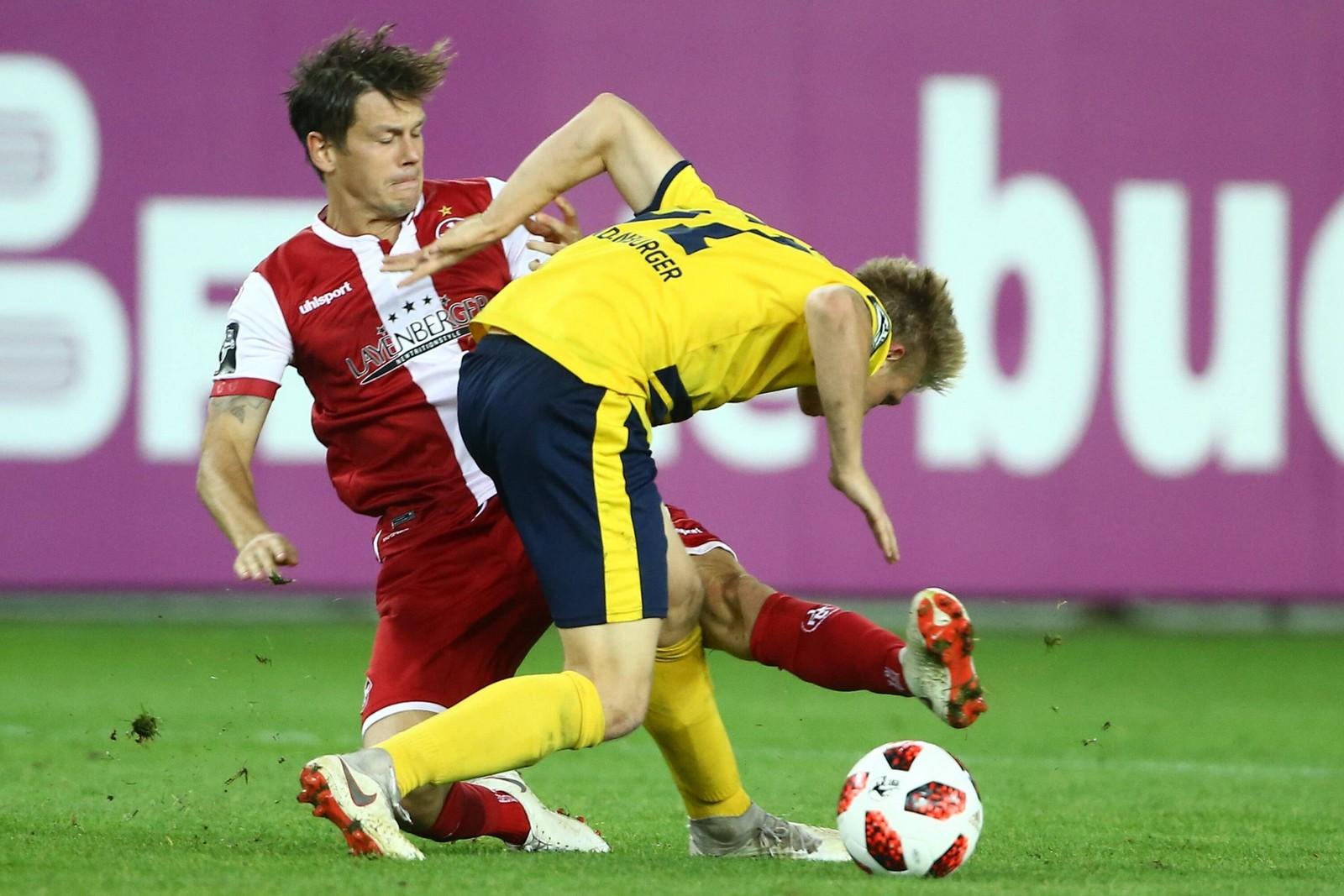 Wieder kein Sieg für Mads Albaek (l.) und den FCK.