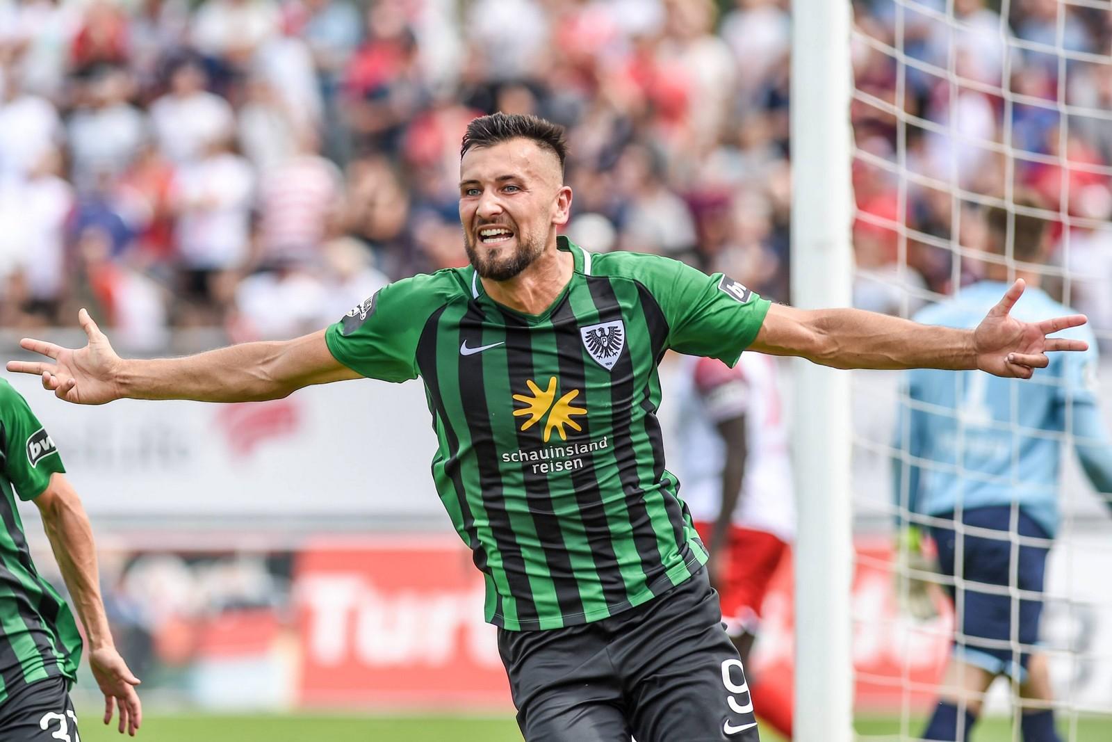 Rufat Dadashov schoss Preußen Münster mit drei Toren zum Sieg bei Hansa Rostock.
