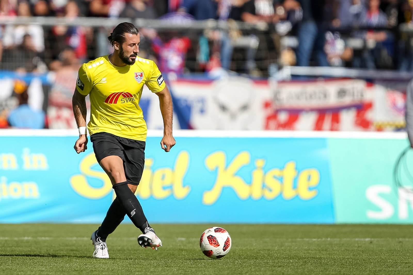 Dominic Maroh am Ball für den KFC Uerdingen