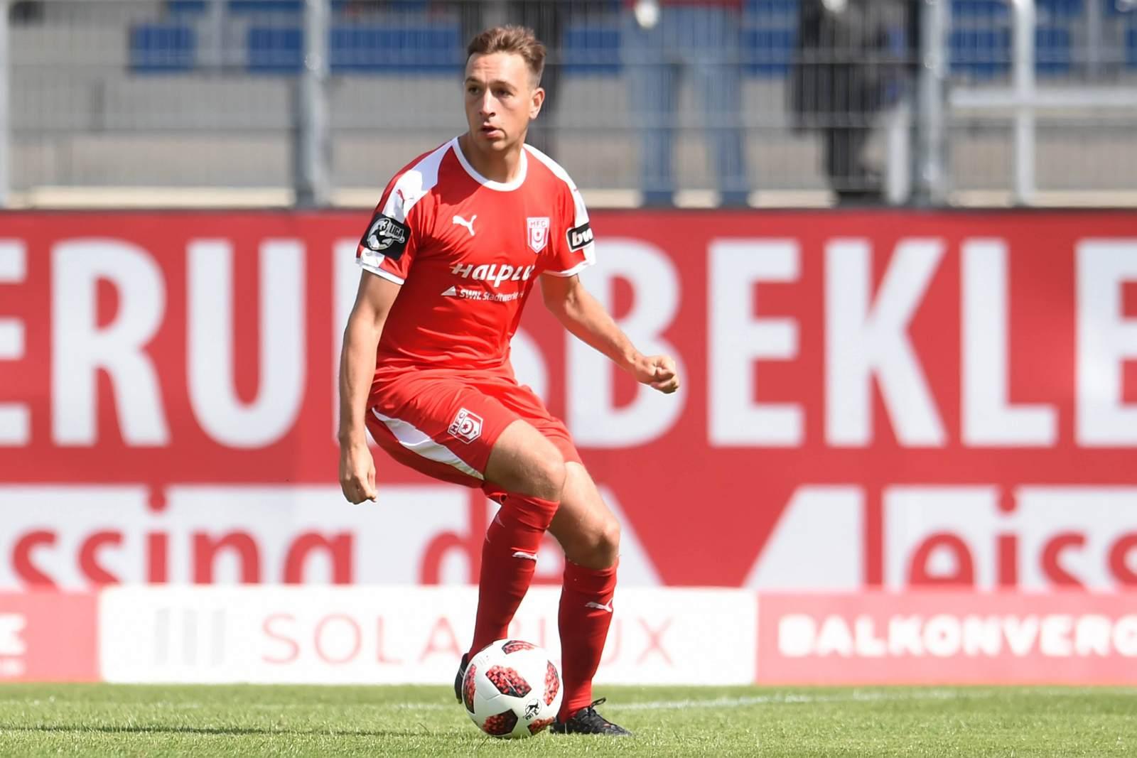 Fynn Arkenberg im Trikot des Halleschen FC
