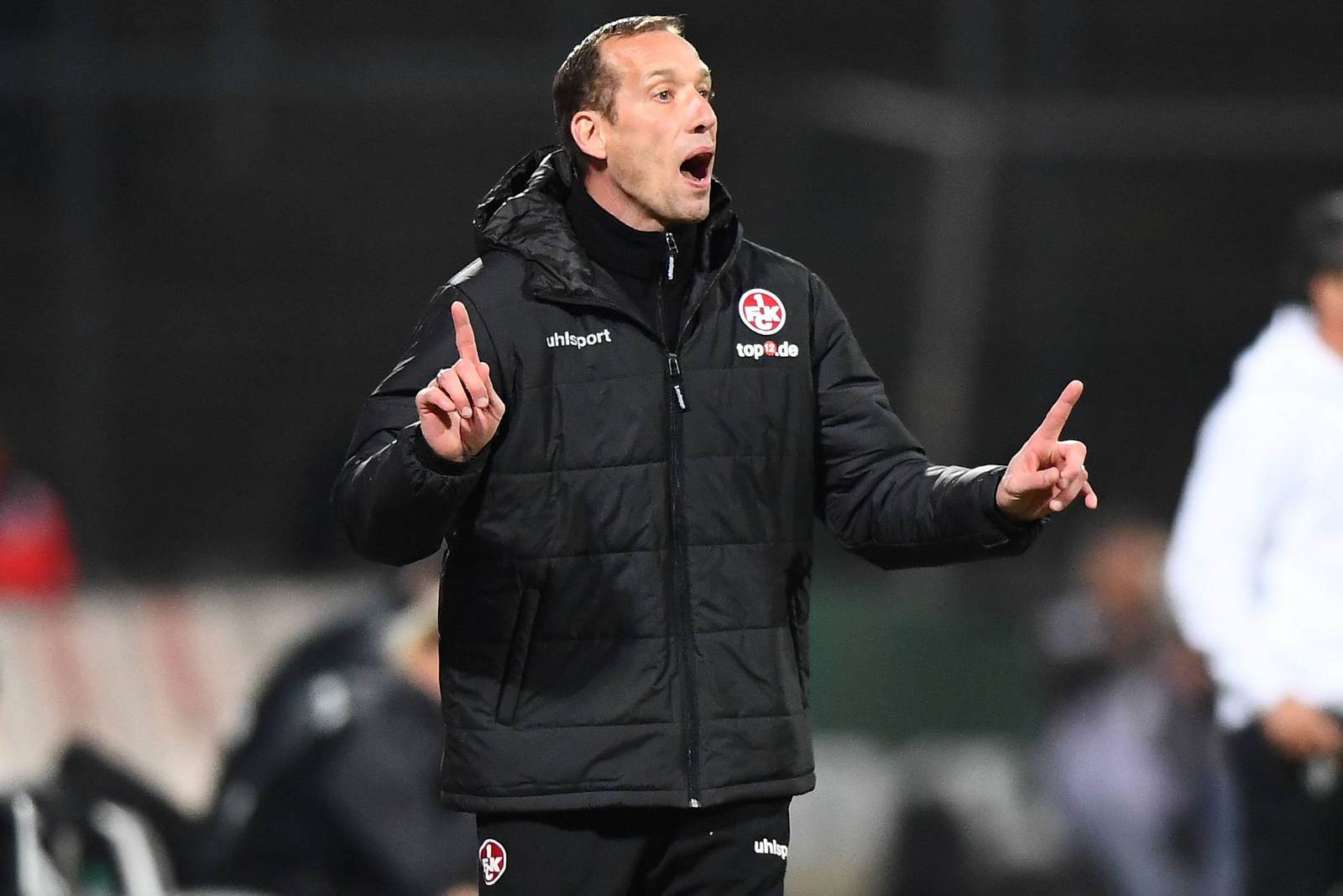 Jeff Strasser an der Seitenlinie für den 1. FC Kaiserslautern