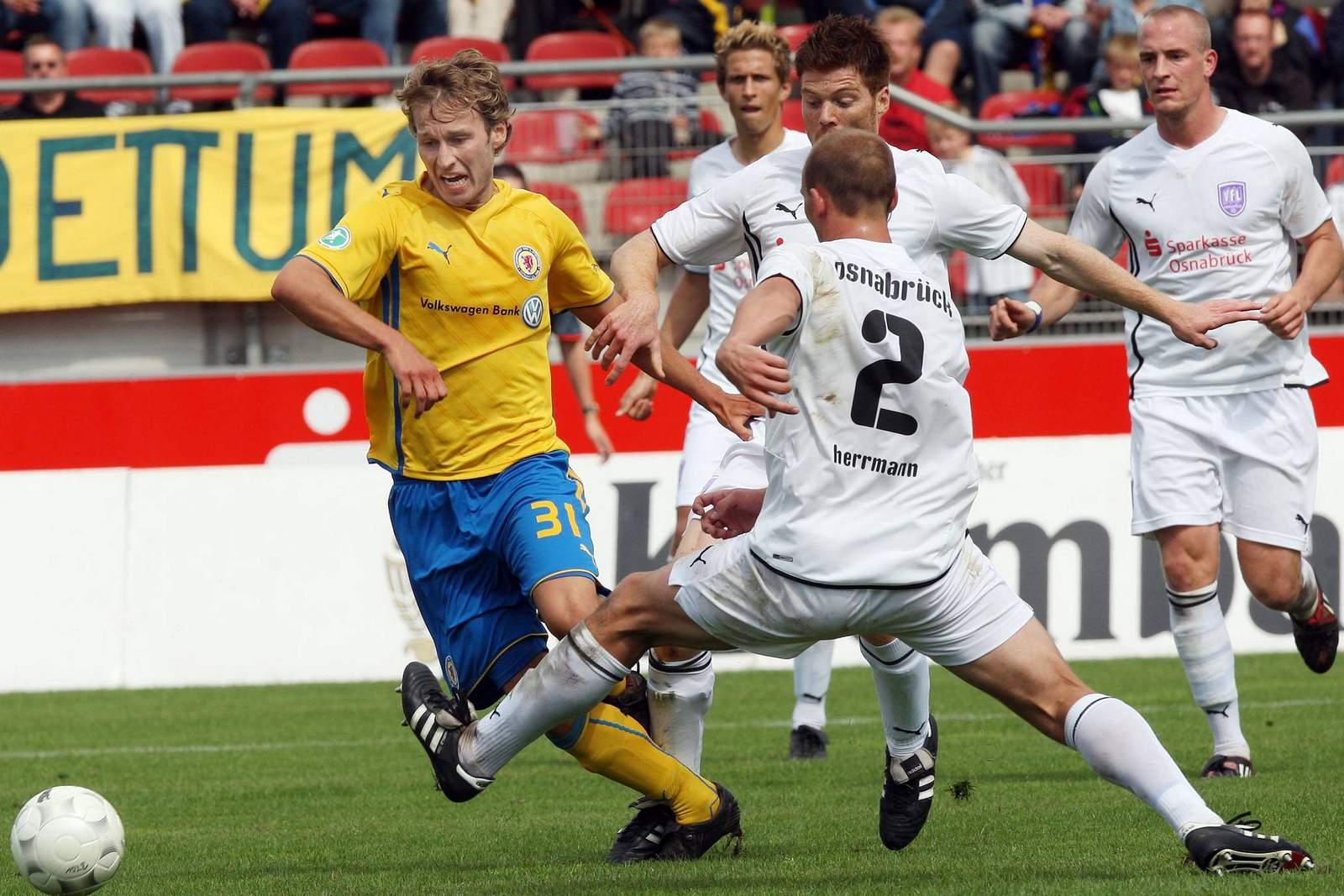 Setzt sich die Eintracht daheim gegen den Spitzenreiter durch? Jetzt auf Braunschweig gegen Osnabrück wetten.