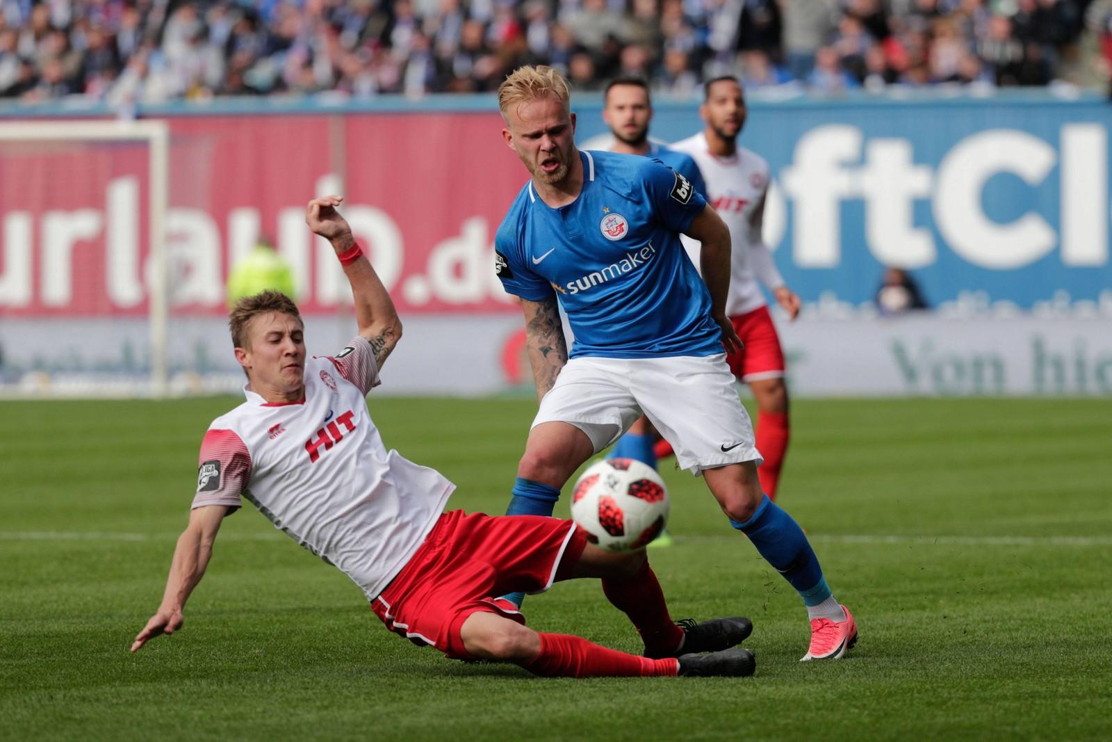 Hansa Rostocks Marcel Hilßner erwischte gegen Fortuna Köln einen Sahnetag.