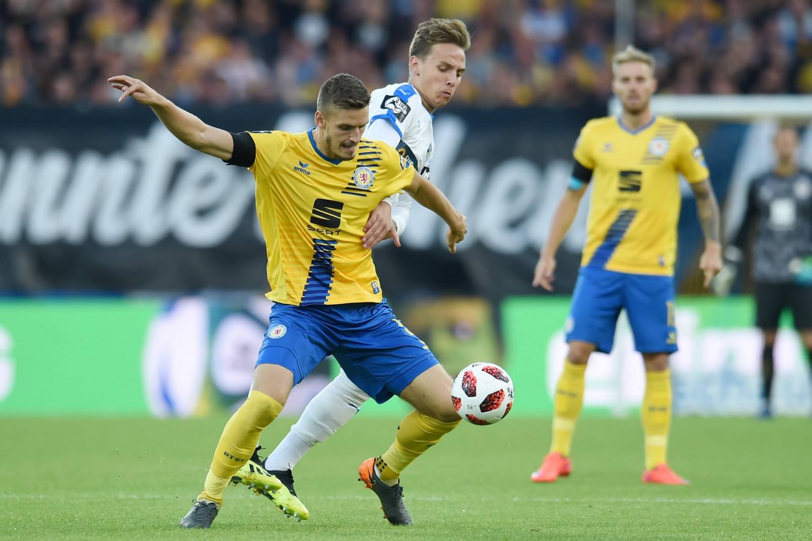 Kann Gustav Valsvik die Eintracht gegen Uerdingen zum Sieg führen? Jetzt auf Braunschweig gegen Uerdingen wetten!