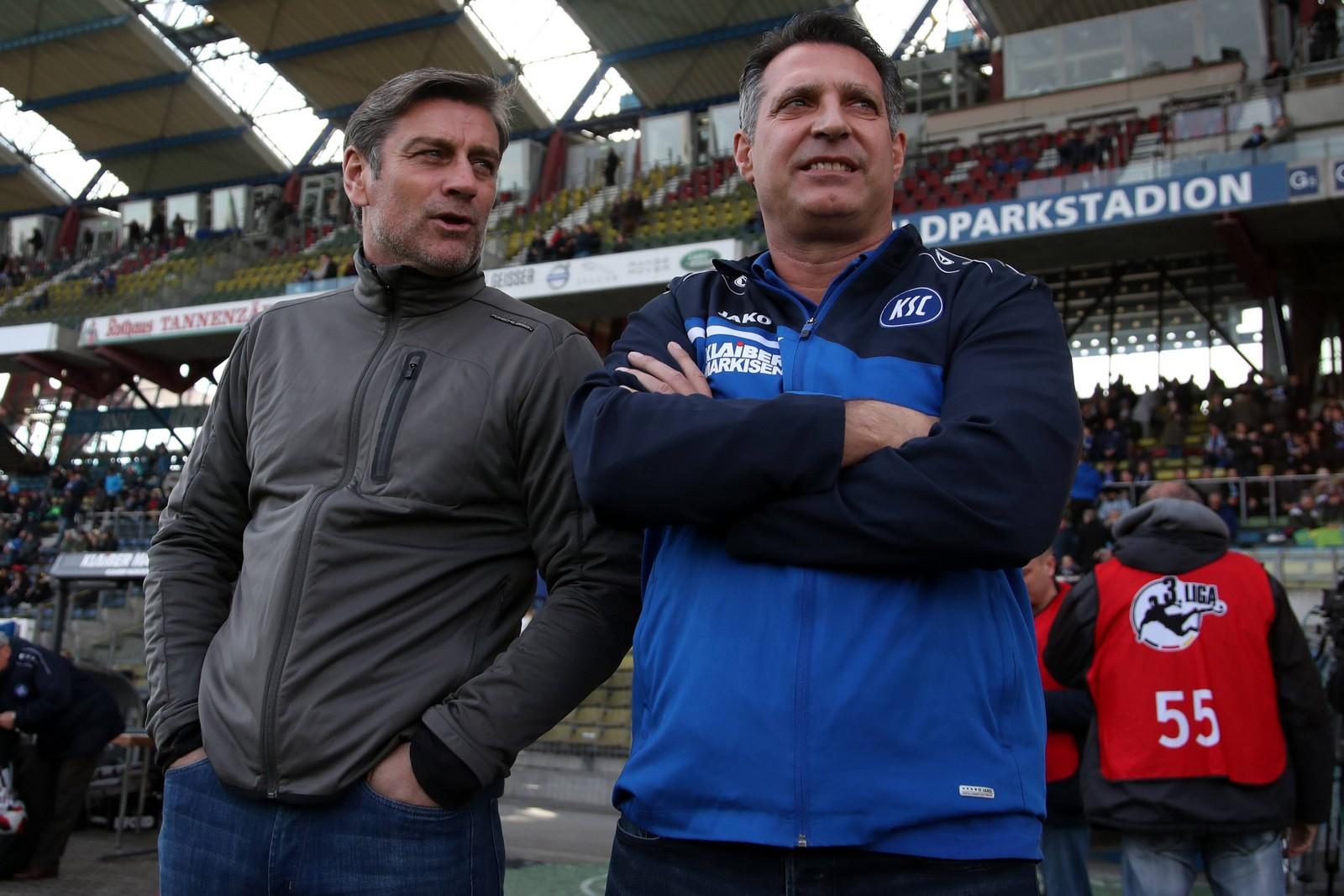 Oliver Kreuzer und Alois Schwartz vom Karlsruher SC