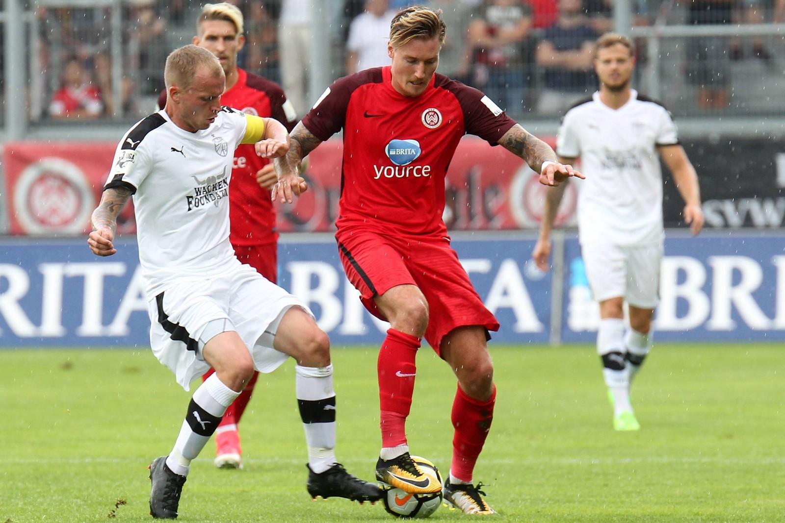 Wie oft trifft Manuel Schäffler gegen Jena? Jetzt auf Wehen Wiesbaden gegen Carl Zeiss Jena wetten!