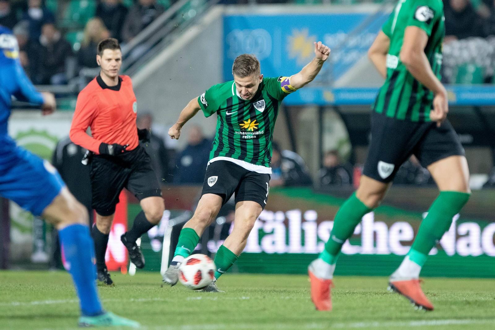 Martin Kobylanski erzielte gegen Eintracht Braunschweig seinen ersten Hattrick als Profi.