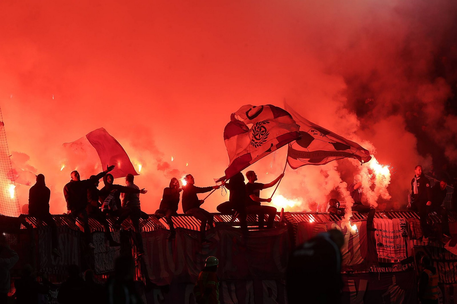 Der DFB bittet den VfL Osnabrück für das Verhalten seiner Anhänger zur Kasse.