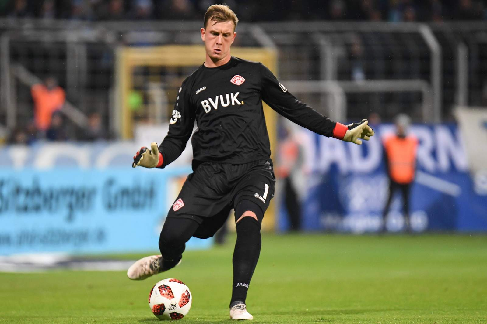 Leon Bätge von den Würzburger Kickers