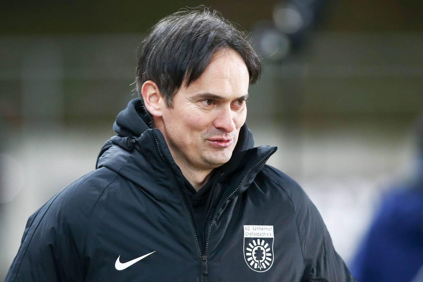 Florian Schnorrenberg als Trainer der SG Sonnenhof Großaspach