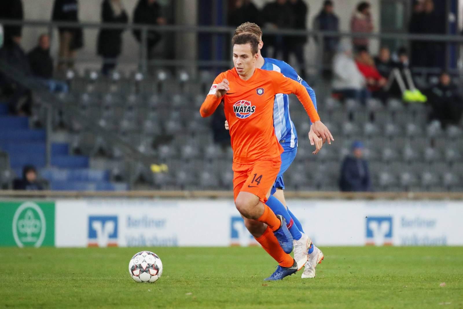Maximilian Pronichev am Ball für Erzgebirge Aue