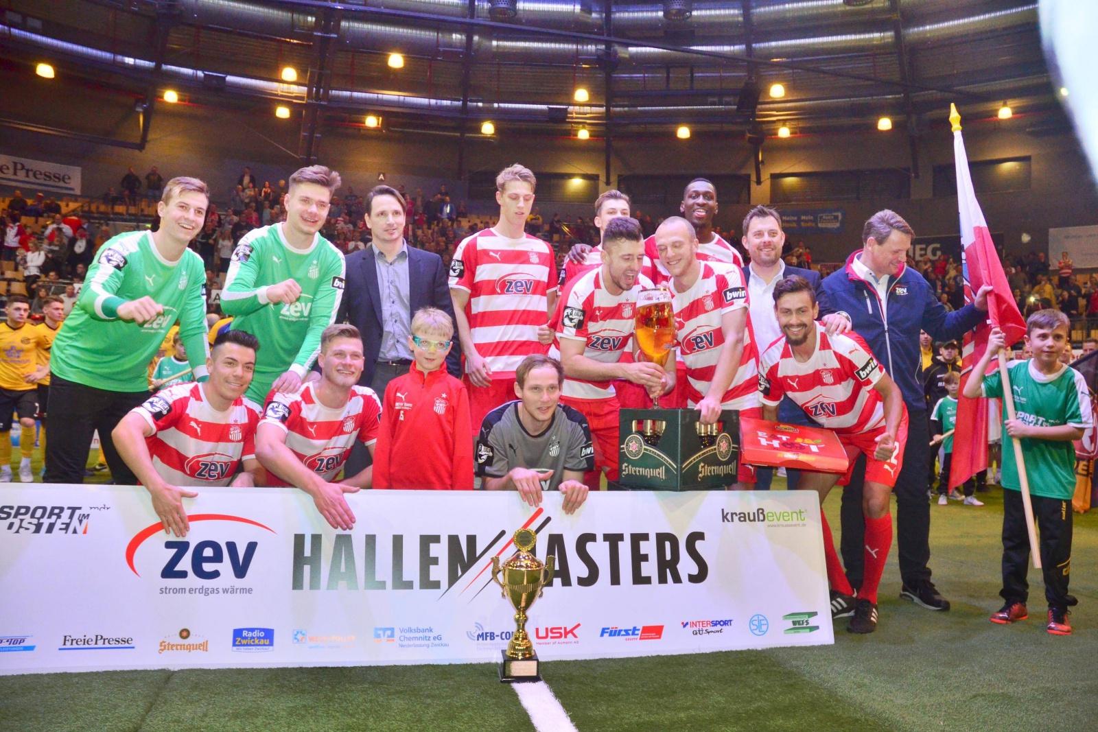 Siegerfoto des FSV Zwickau beim ZEV Hallenmasters