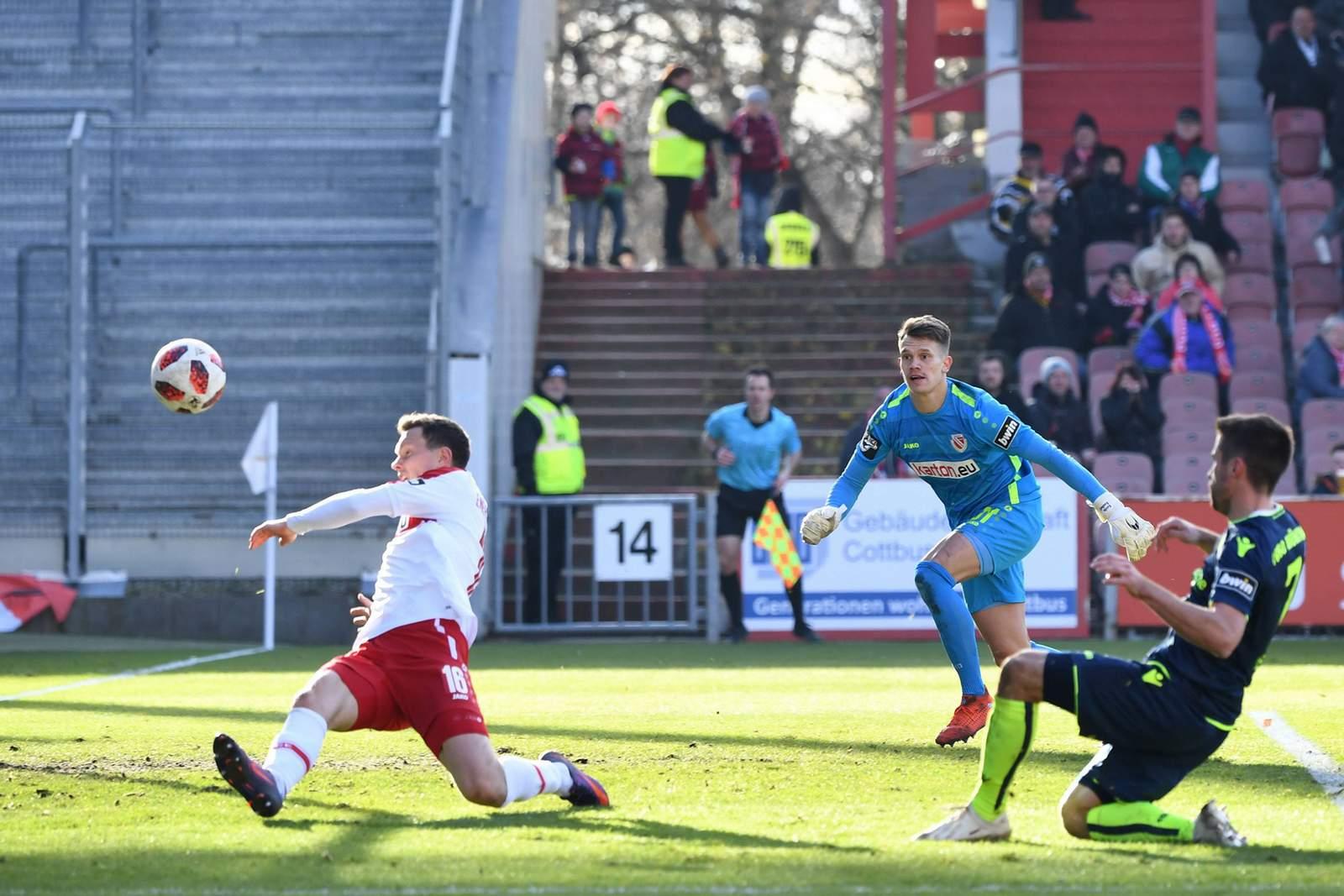 Stefan Lex erzielt Tor für 1860 München in Cottbus