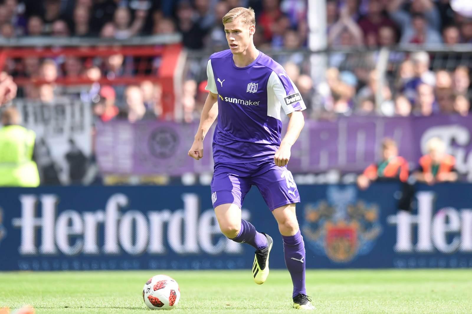 Steffen Tigges am Ball für den VfL Osnabrück
