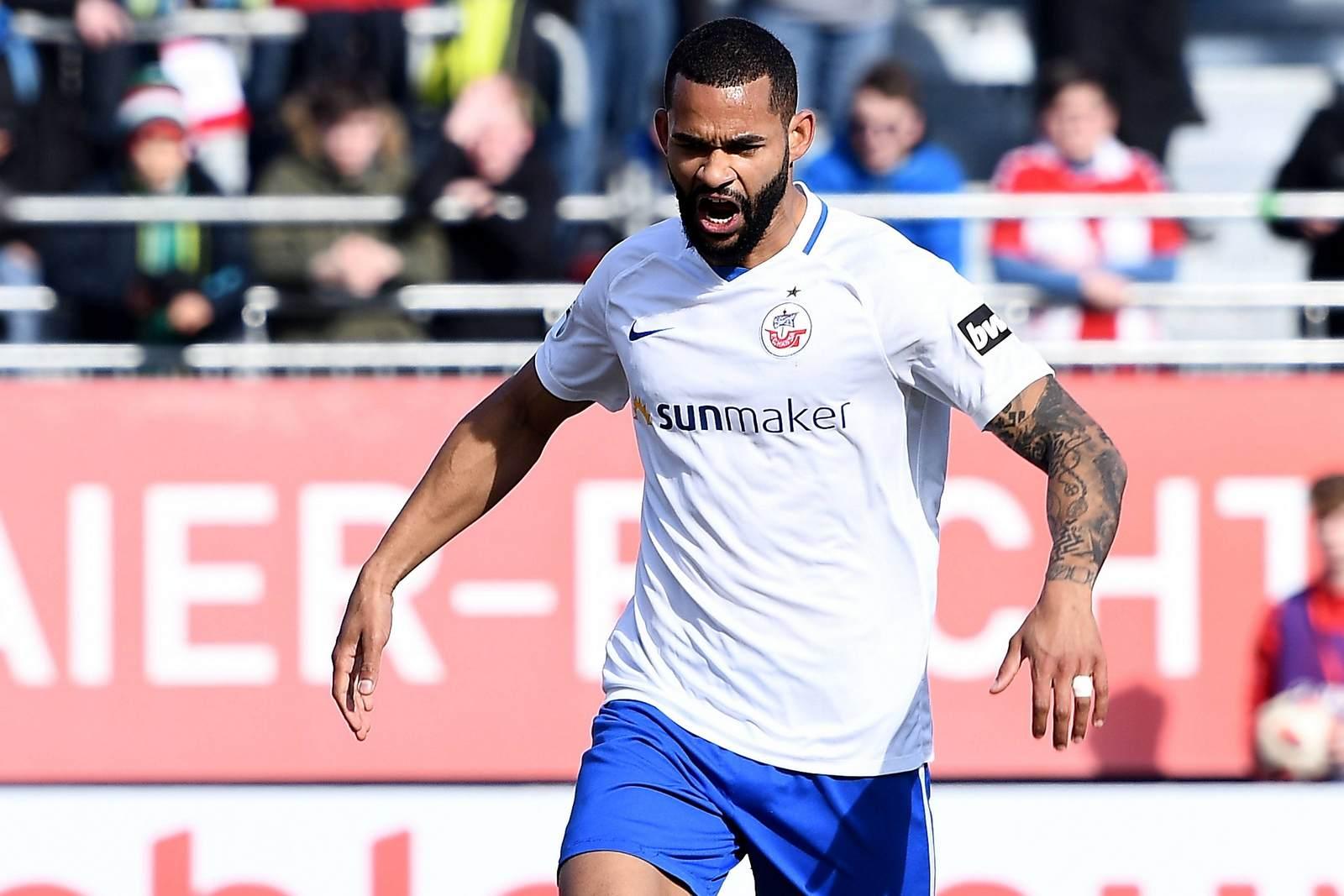 Cebio Soukou im Trikot des FC Hansa Rostock