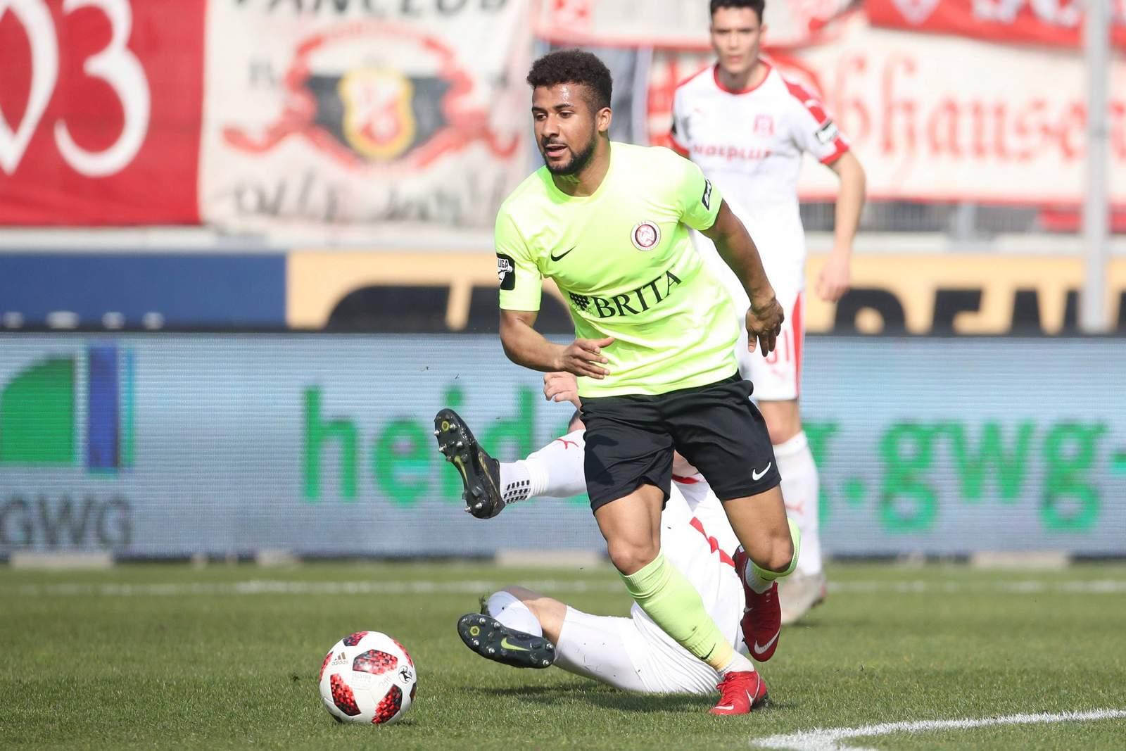 Daniel-Kofi Kyereh im Spiel gegen Halle.