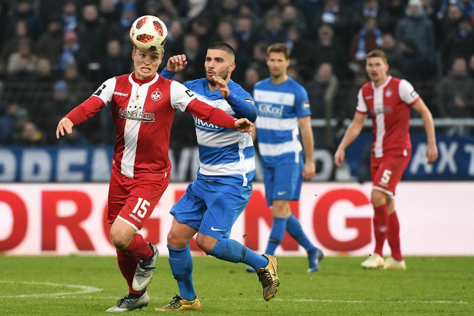 Elias Huth vom FCK im Spiel gegen Meppen