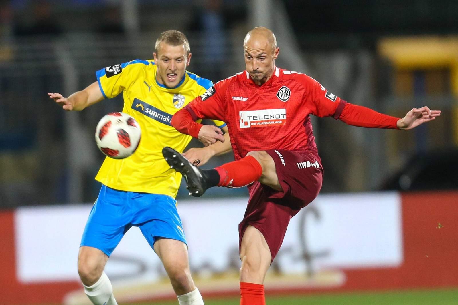 Matthias Morys (r.) gegen Marius Grösch.