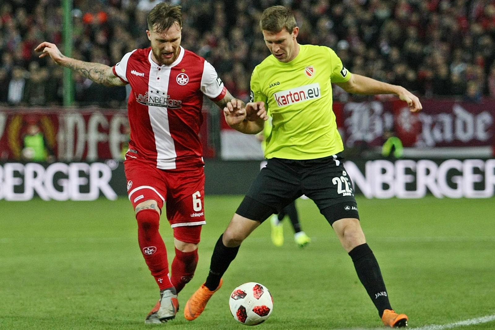 Jan Löhmannsröben beim FCK im Duell mit Lasse Schlüter von Cottbus