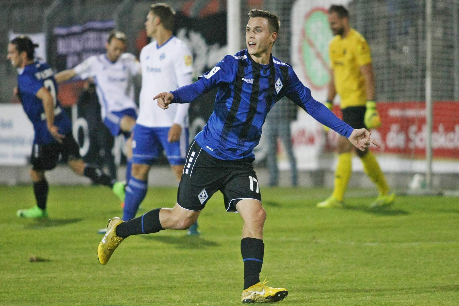 Gianluca Korte bejubelt seinen Treffer gegen Pirmasens.