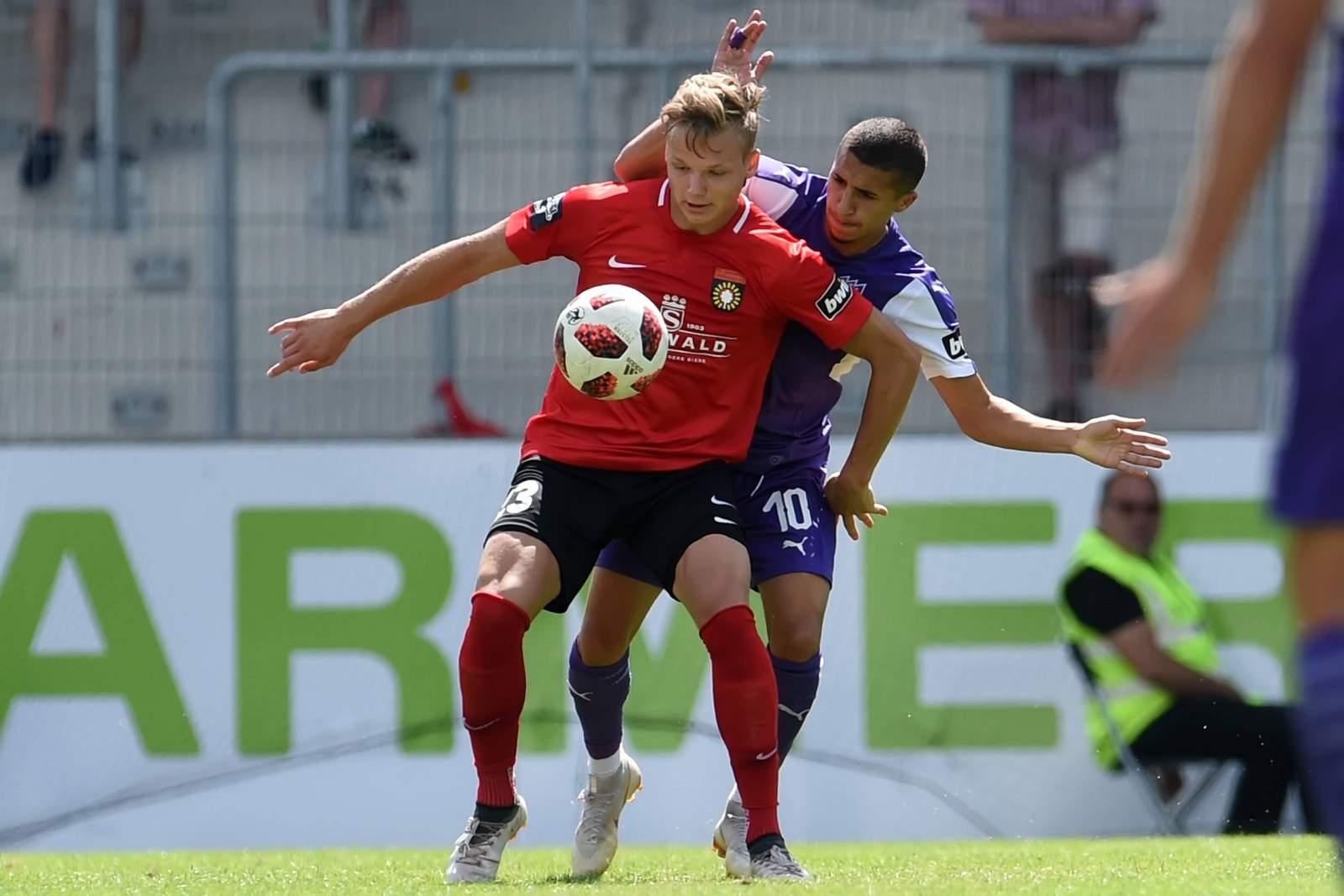 Philipp Hercher gegen Anas Ouahim.