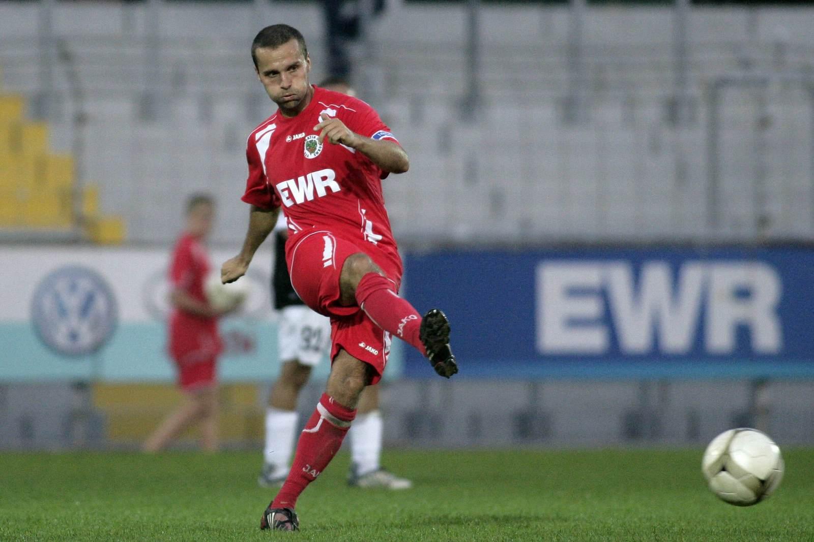 Marcel Gebhardt passt den Ball