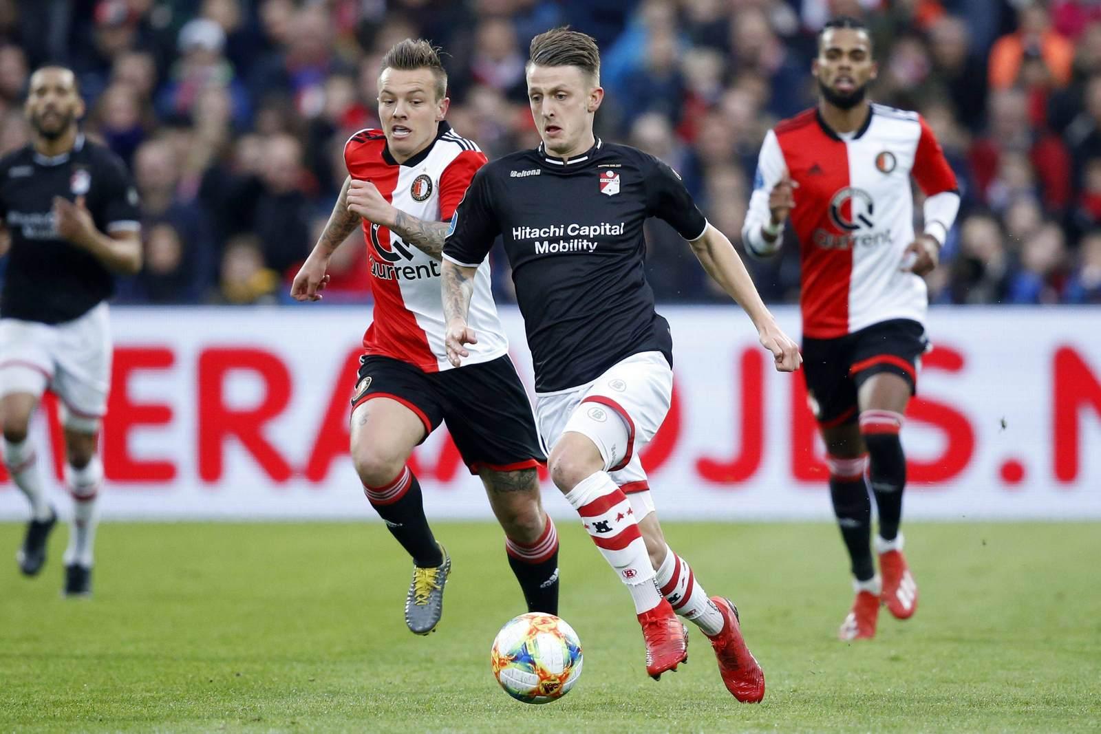 Nico Neidhart am Ball für den FC Emmen