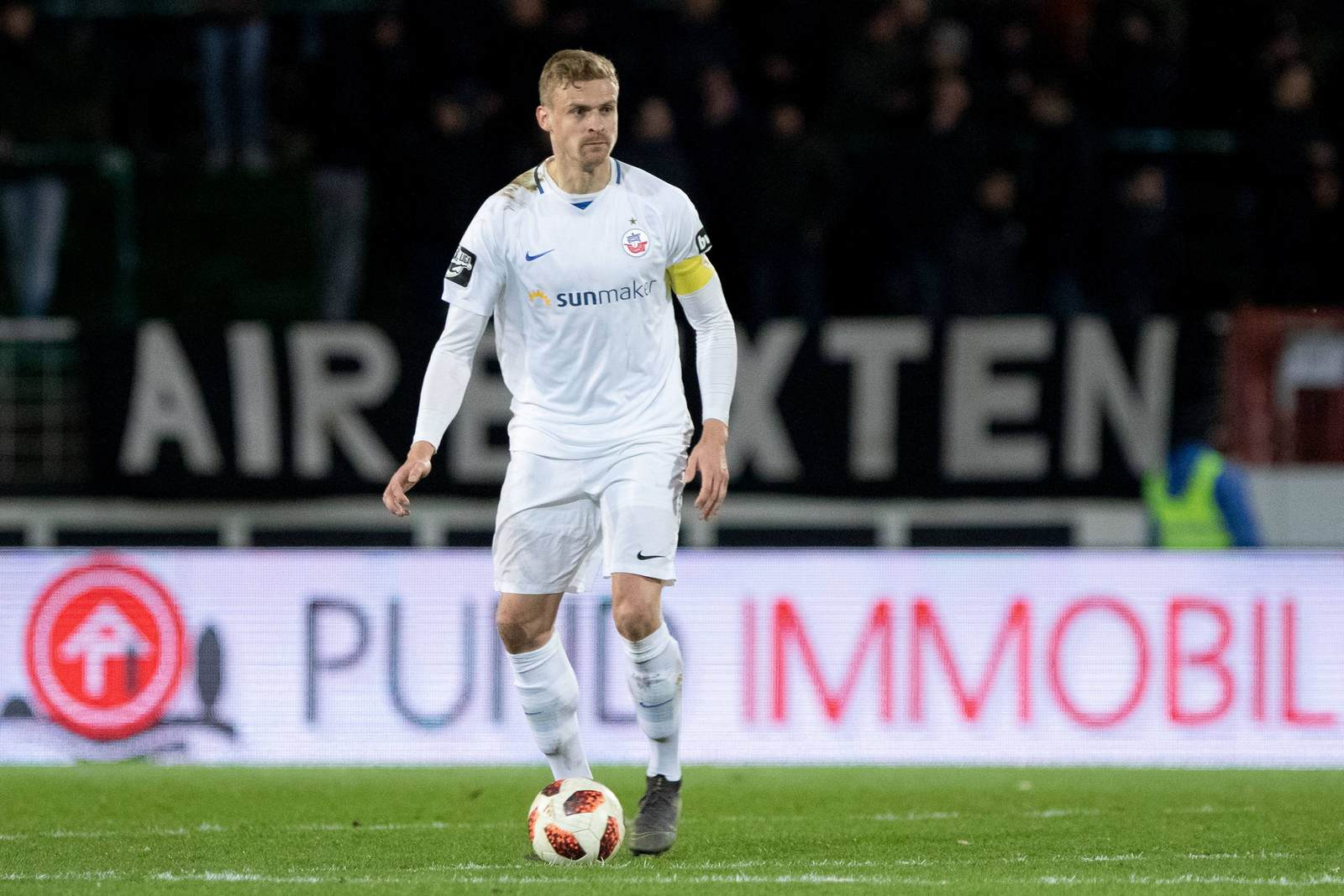 Oliver Hüsing am Ball für Hansa Rostock