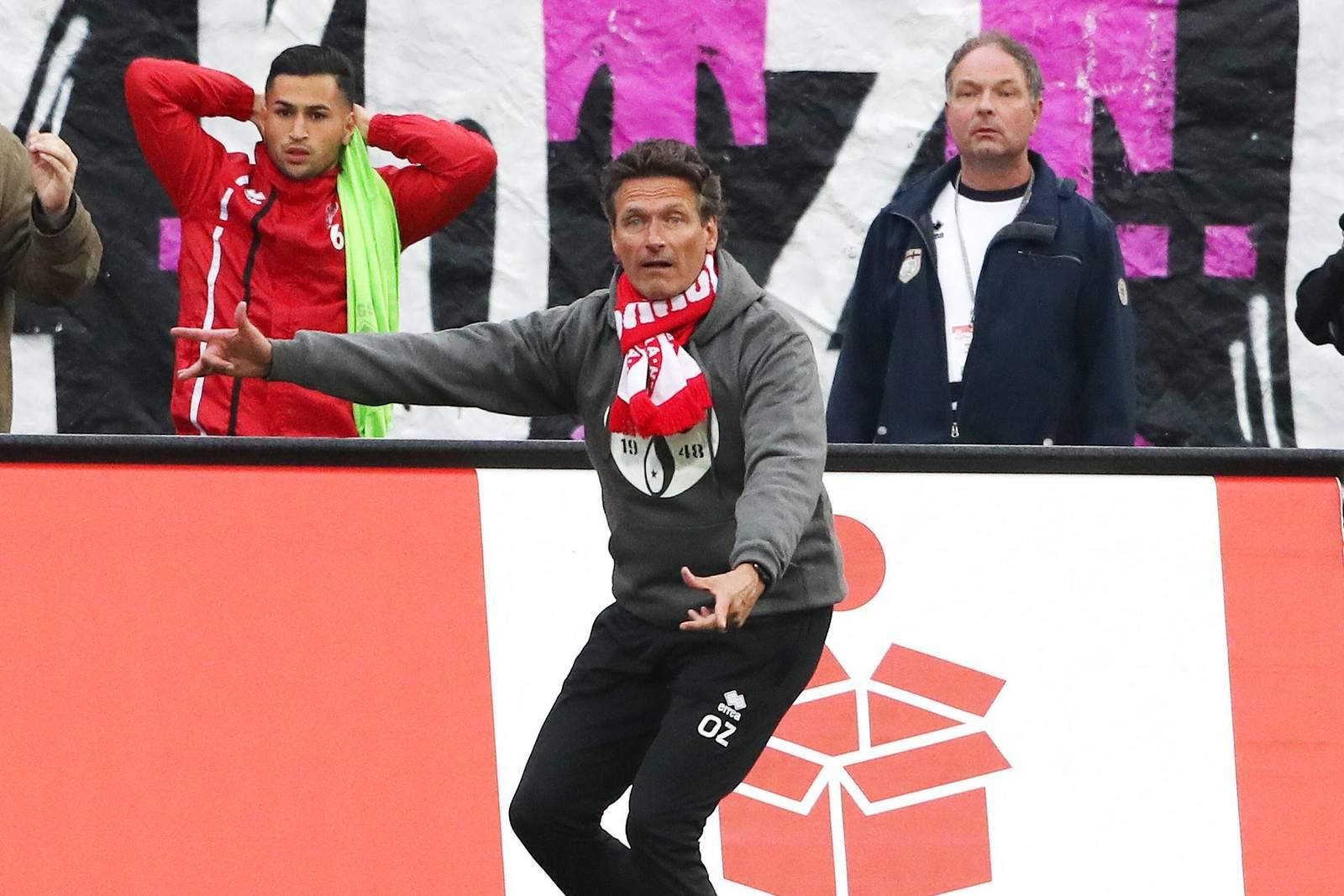 Oliver Zapel im Heimspiel gegen Meppen.