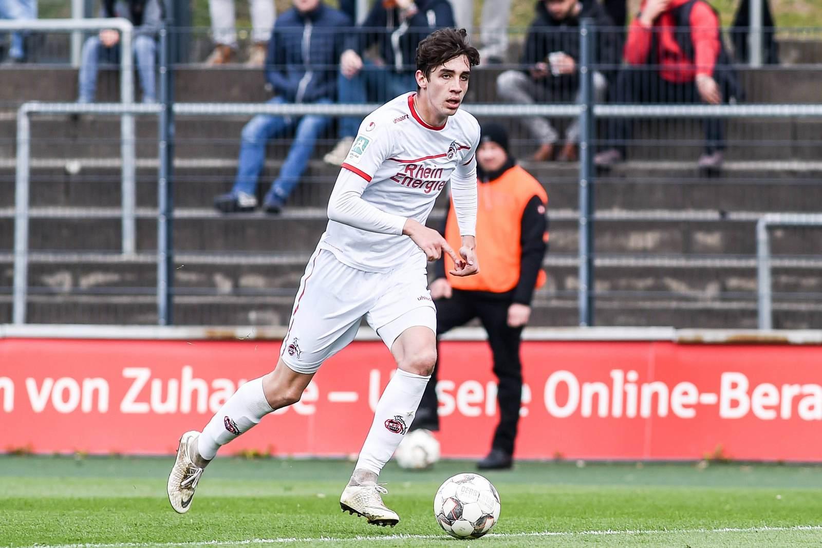 Sven Sonnenberg am Ball für den 1. FC Köln