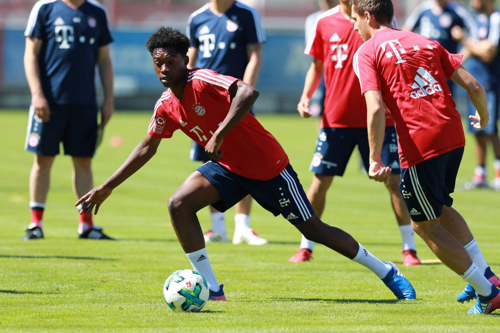 Derrick Köhn im Training des FC Bayern