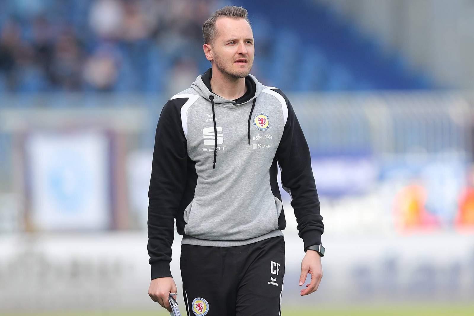Christian Flüthmann als Trainer von Eintracht Braunschweig