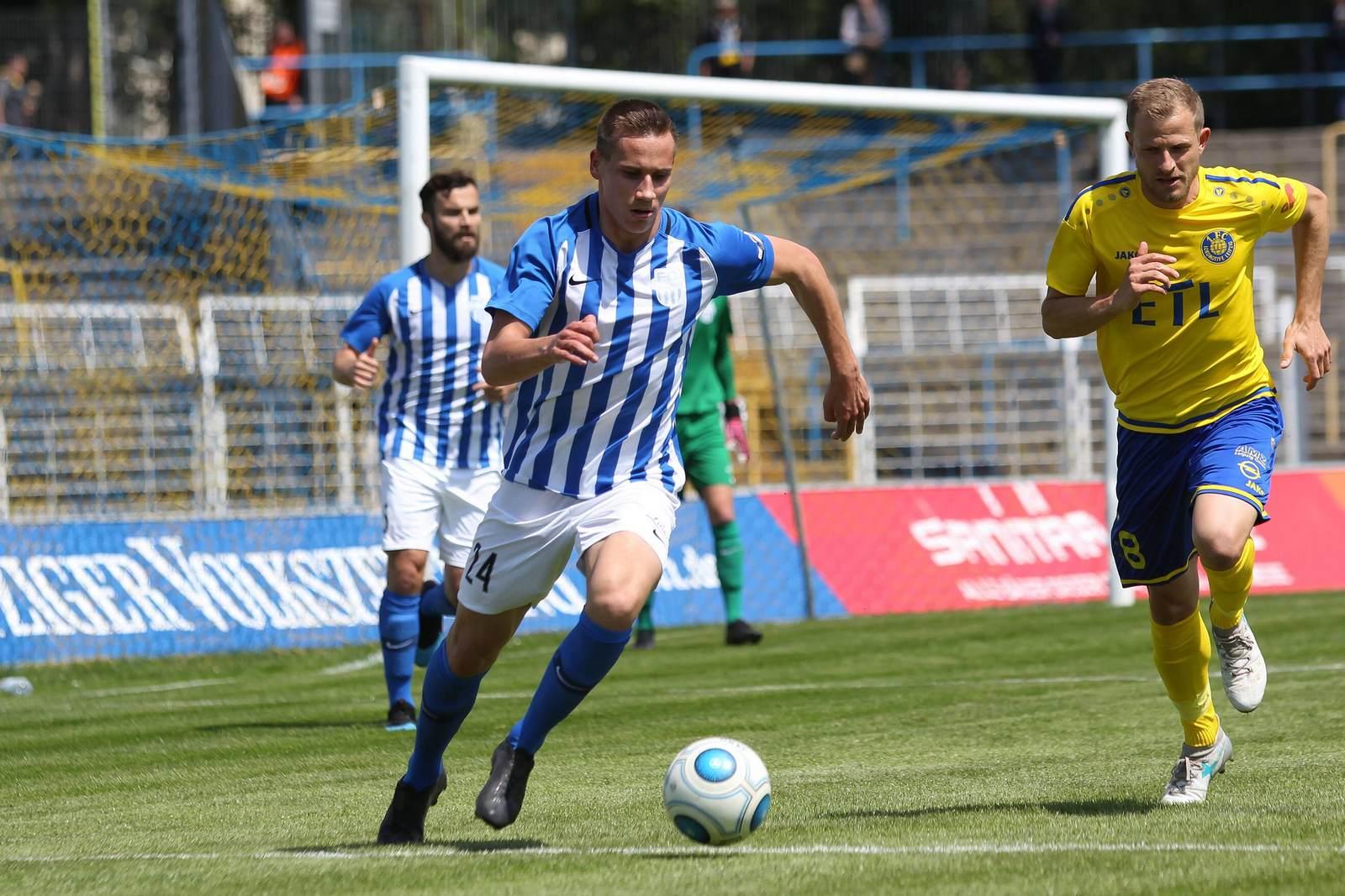 Collin von Brezinski am Ball für den FC Oberlausitz Neugersdorf