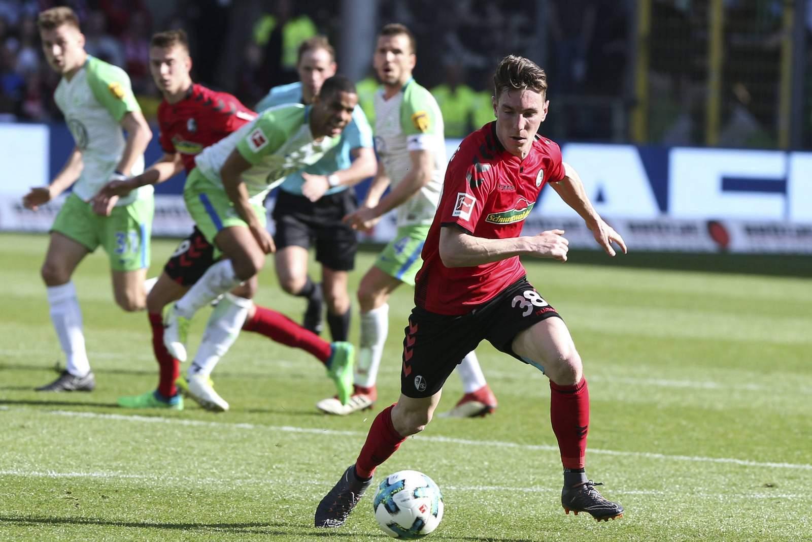Florian Kath beim Spiel Freiburg gegen Wolfsburg