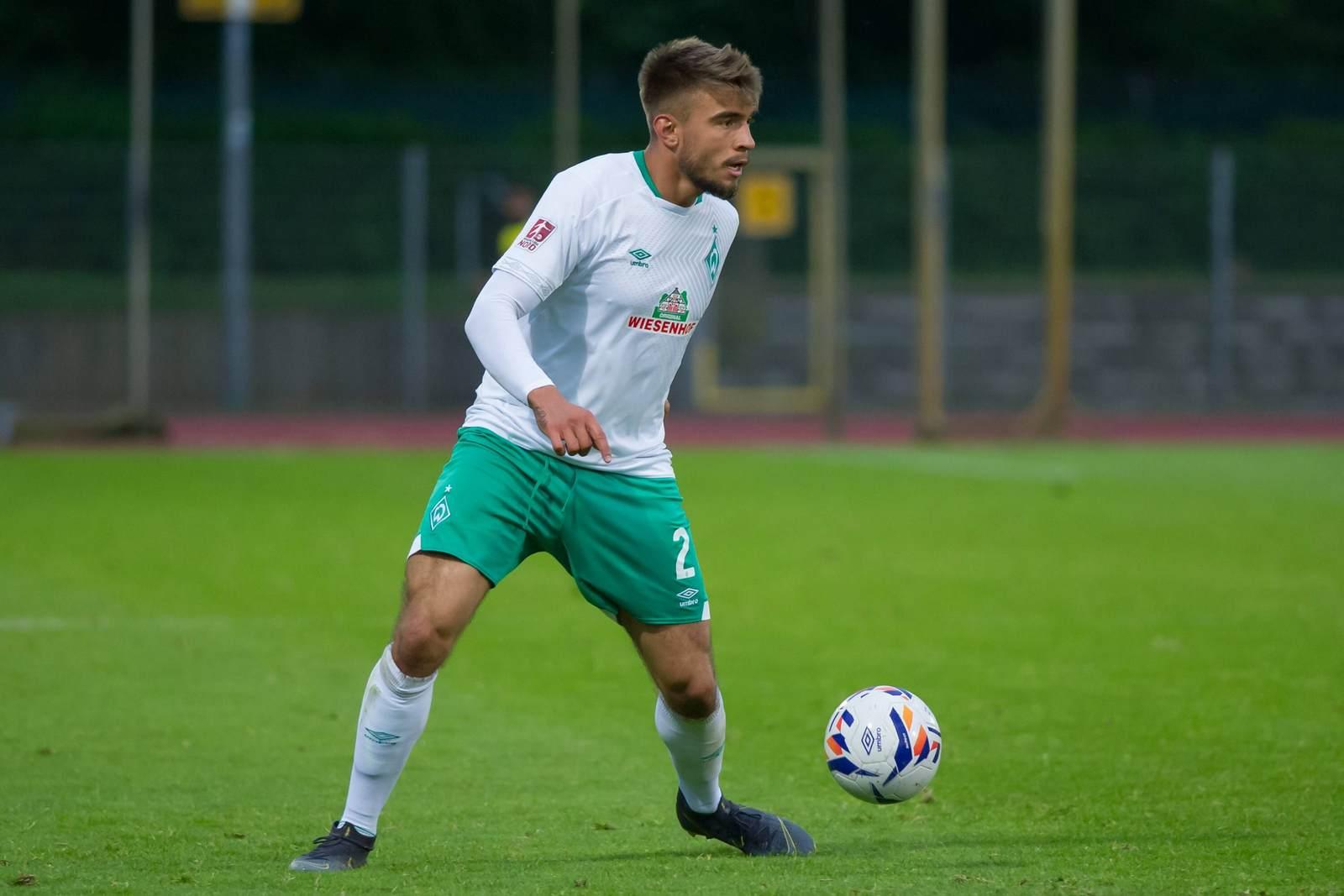 Joshua Bitter am Ball für Werder Bremen II
