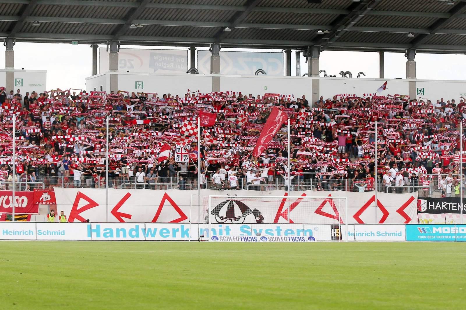 Die Fans des FSV Zwickau.