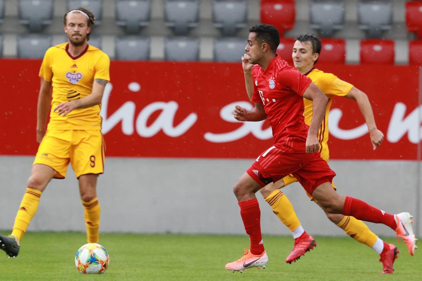 Sarpreet Singh am Ball für die U23 des FC Bayern