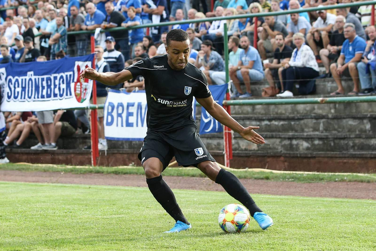 Leon Bell-Bell vom 1. FC Magdeburg