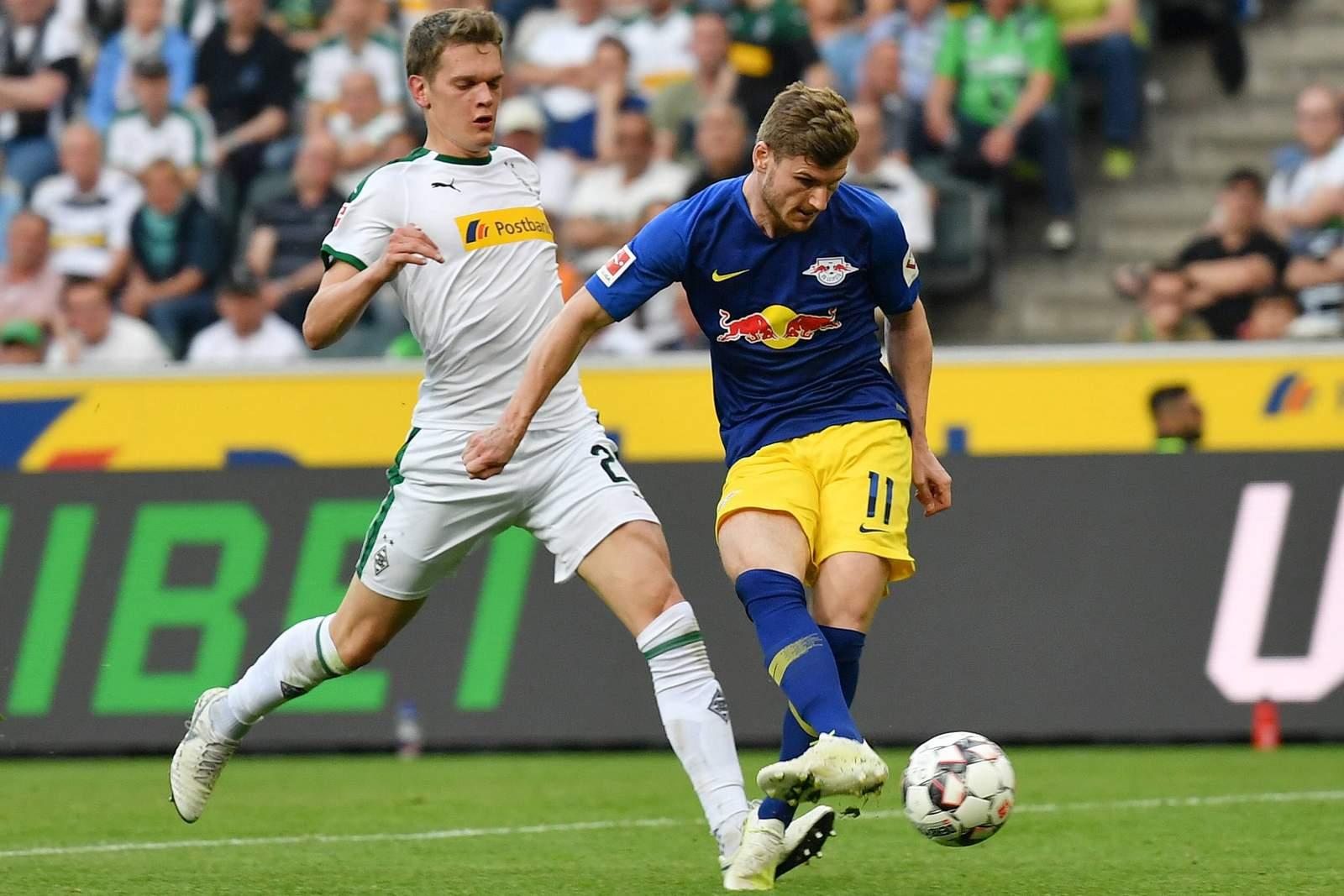 Timo Werner von RB Leipzig gegen Matthias Ginter von Gladbach
