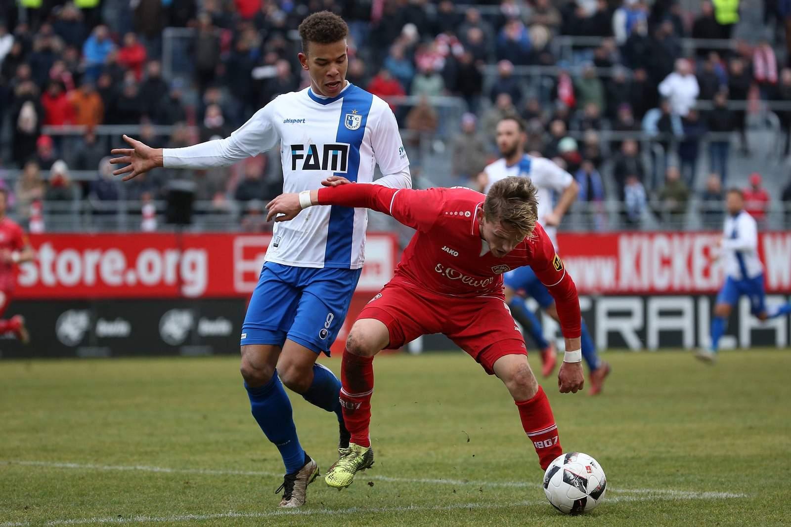 Marcel Costly vom 1. FC Magdeburg im Spiel gegen Würzburg