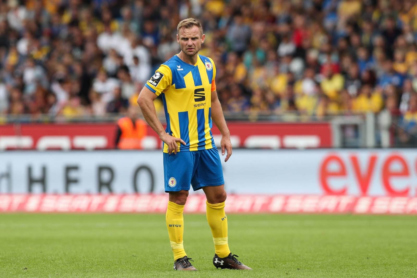 Bernd Nehrig von Eintracht Braunschweig