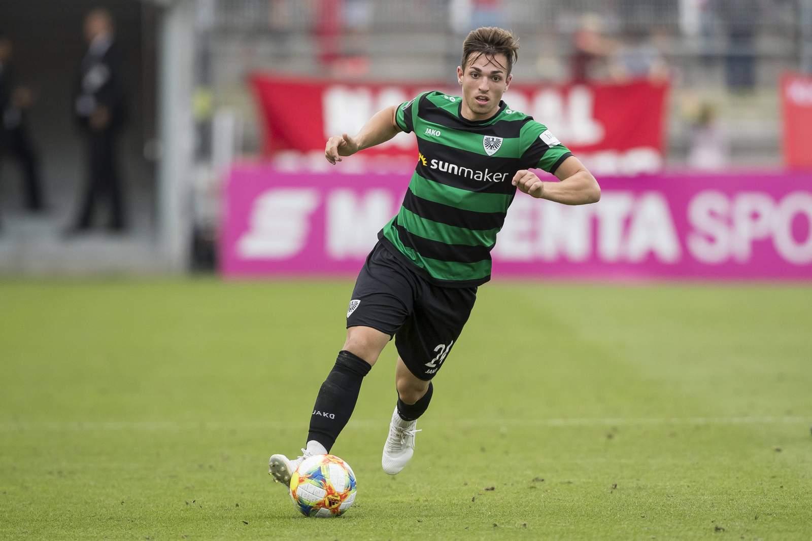 Luca Schnellbacher nimmt Tempo auf.