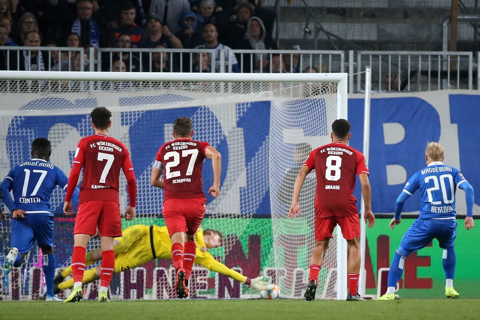 Sören Bertram trifft per Elfmeter gegen Würzburg