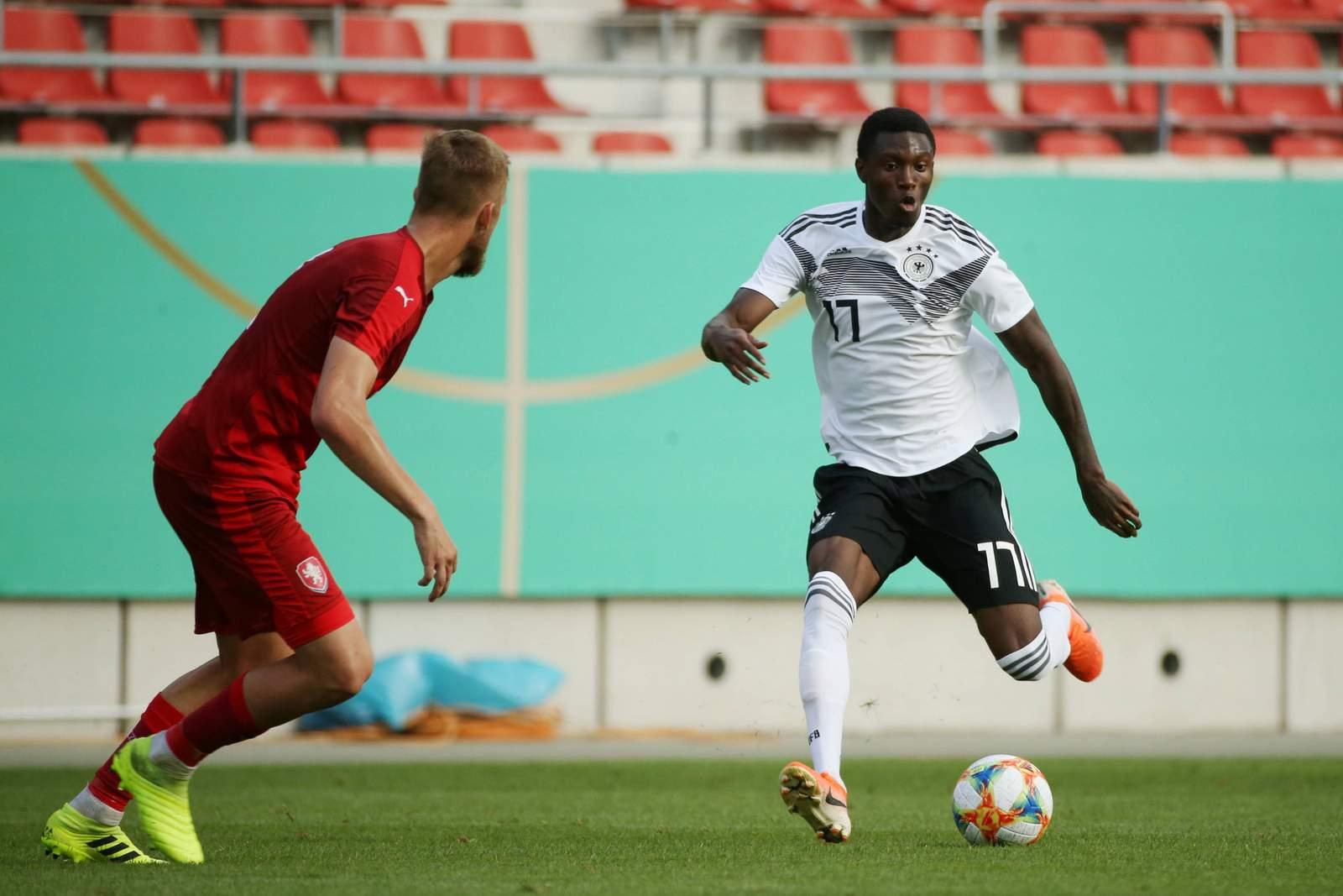 Aaron Opoku bei Länderspiel der deutschen U20