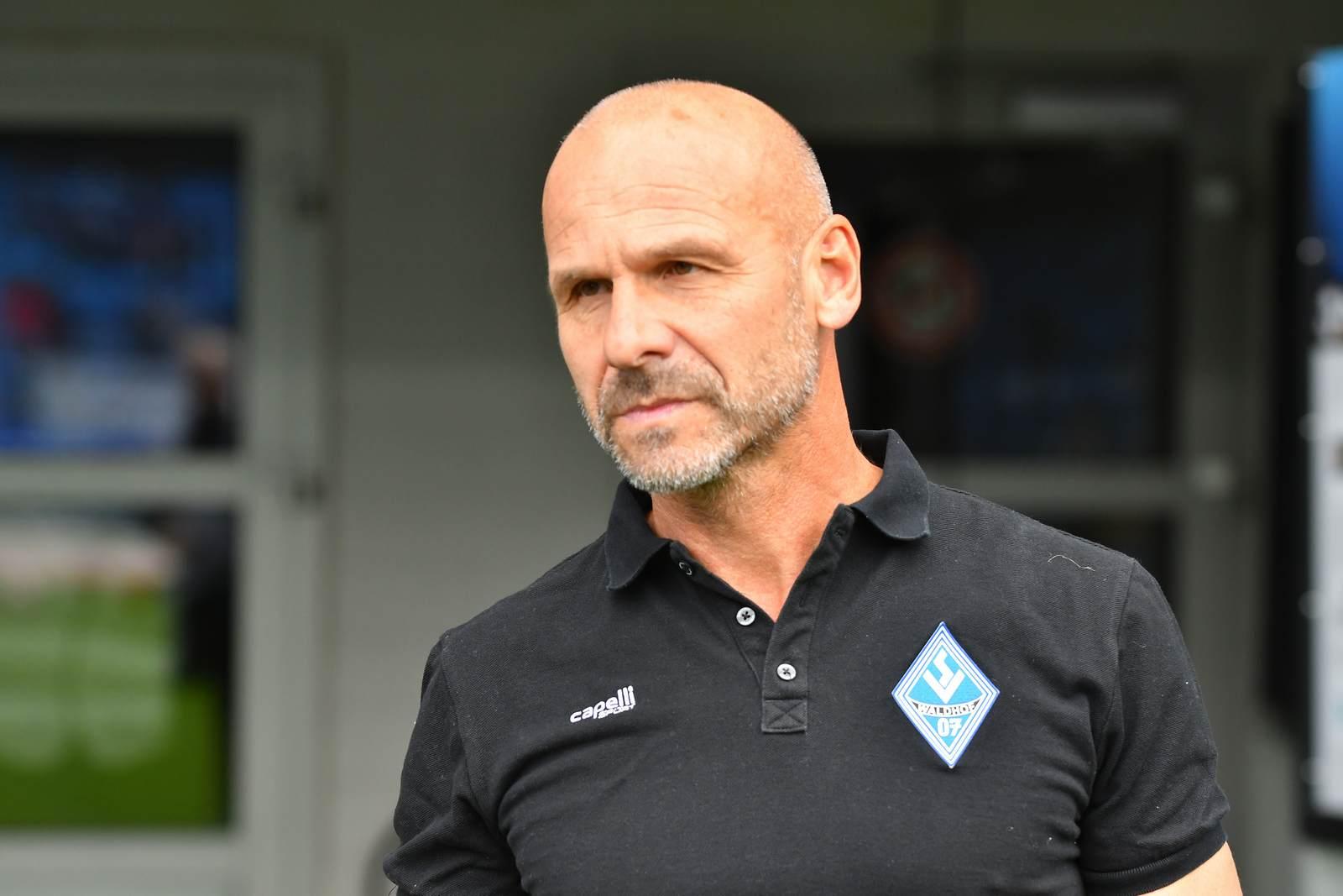 Bernhard Trares als Trainer von Waldhof Mannheim