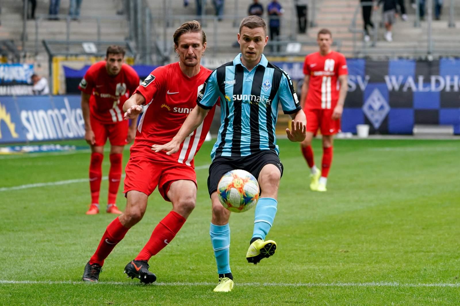 Gianluca Korte (r.) gegen Hansas Kai Bülow